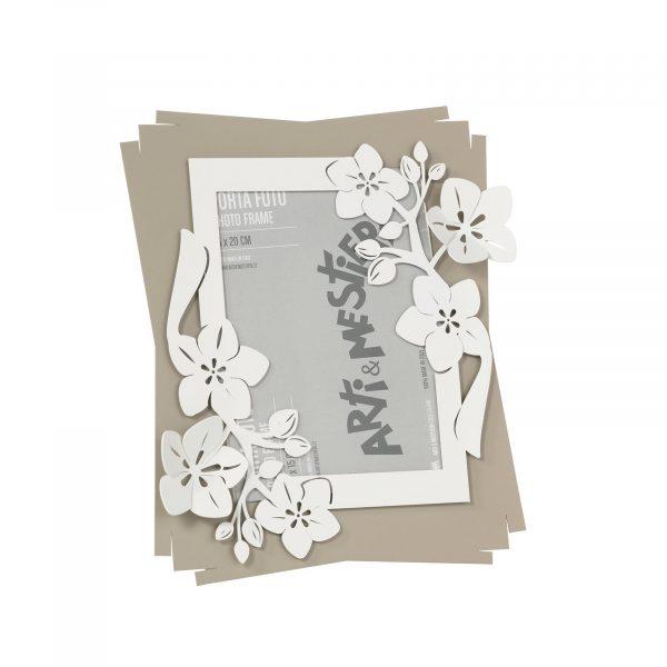 Il porta foto con cornice floreale Fior di loto di Arti e Mestieri nella collezione Classic