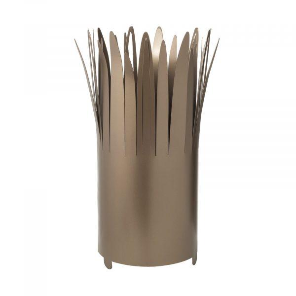 Un porta ombrelli con dei raggi chiamato Sting della collezione Classic Arti e Mestieri